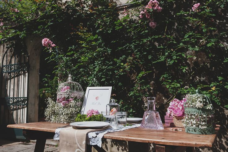 Eloping in Tuscany? check out this romantic set up, perfect for eloping with style! Design and Decor Neve Faustini - http://wedinflorence.com/ Photography Sebastian David Bonacchi - http://www.sebastianph.com/
