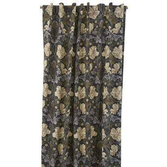 Skapa ett ombonat och mysigt vardagsrum med Autumn Tulip gardinset från det svenska textilvarumärket Boel