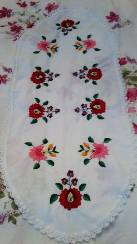 Terítőm. My tablecloth.