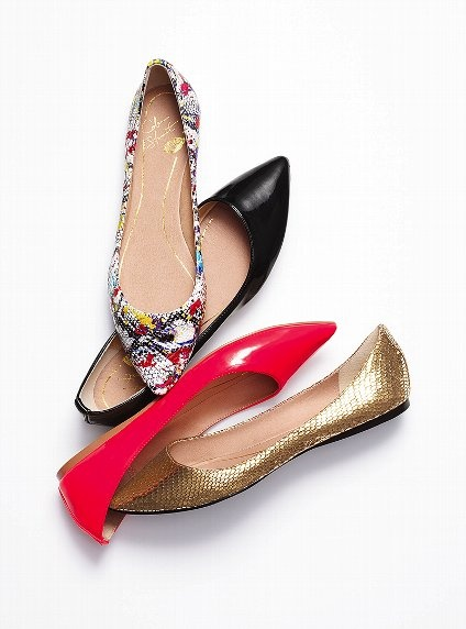 pointed toe flats!