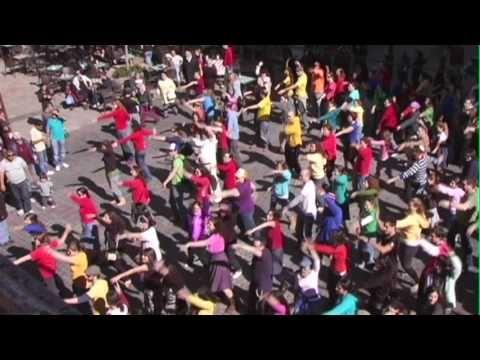 "Jerusalem Flash Mob for Chanukah!  Song: ""Hannukkah Hey Ya!"" by Eric Schwartz aka Smooth-E.  Happy Chanukah!!"