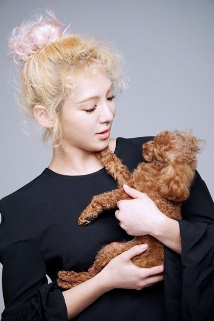 Girls' Generation's Hyoyeon sports curly locks with poodle to match for SMTOWN's…
