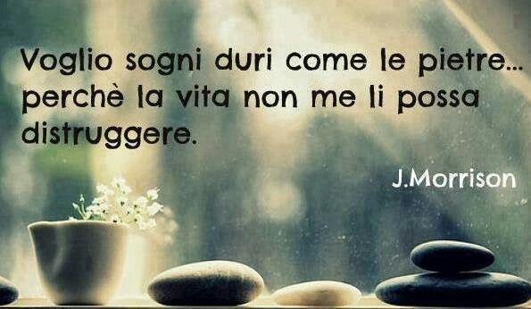 Voglio sogni dure come le pietre…perché la vita non me li possa distruggere (J. Morrison). #ChiardilunaMaterassi