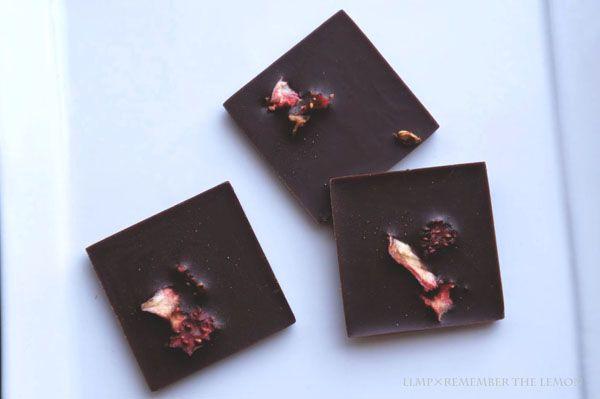 www.livinglifemarketplace.com 苺のローチョコレート(ローカカオ70%) - Strawberry Raw Chocolate(70% Raw Chocolate) - #rawfood #rawvegan #glutenfree  #rawchocolate