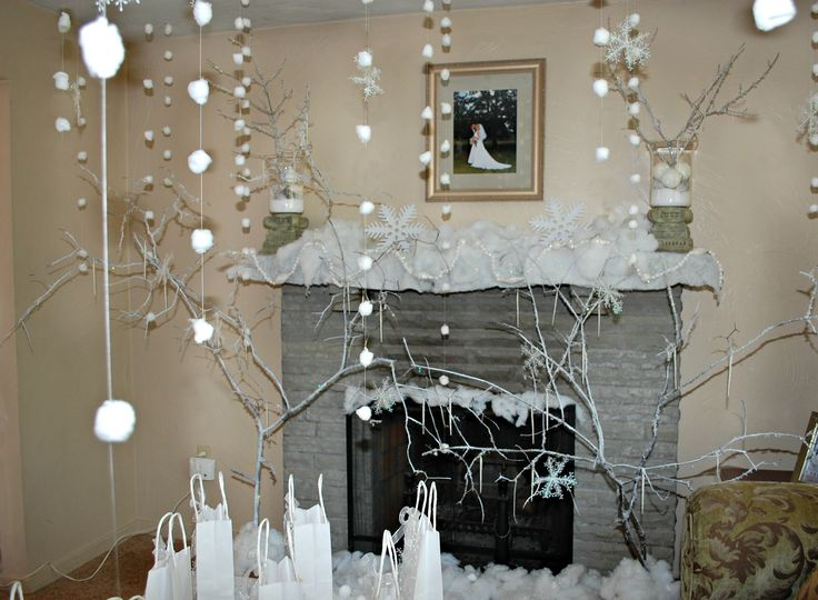 Cotton ball snow falling from the ceiling winter wonderland birthday party pinterest the - Cotton ballspractical ideas ...