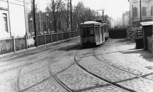 Nach endgültiger Stilllegung des Lindentunnels wurde der obere Bereich noch mehrere Jahre der Nordrampe zum Wenden von Straßenbahnen genutzt, hier 1959.