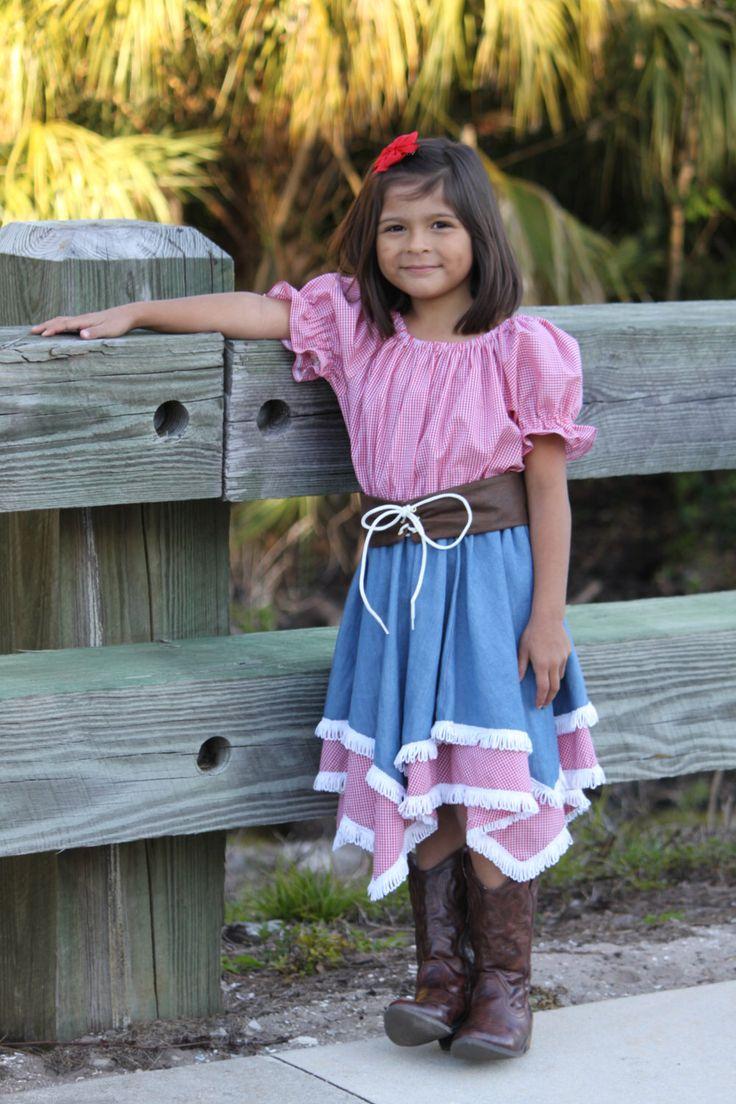 Cowgirl Outfit, Mädchen Cowgirl Kleid Blumenmädchen Kleid, Denim Cowgirl, Western Hochzeit, Tanz Erwägungsgrund Kleid, Custom erstellt Western Kleid von LizandLaurie auf Etsy https://www.etsy.com/de/listing/125734430/cowgirl-outfit-madchen-cowgirl-kleid