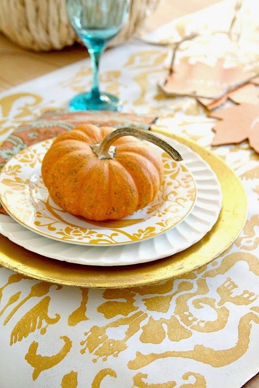 Top This Top That: Jazz Up the Thanksgiving Table....with Craft Paper and a Stencil