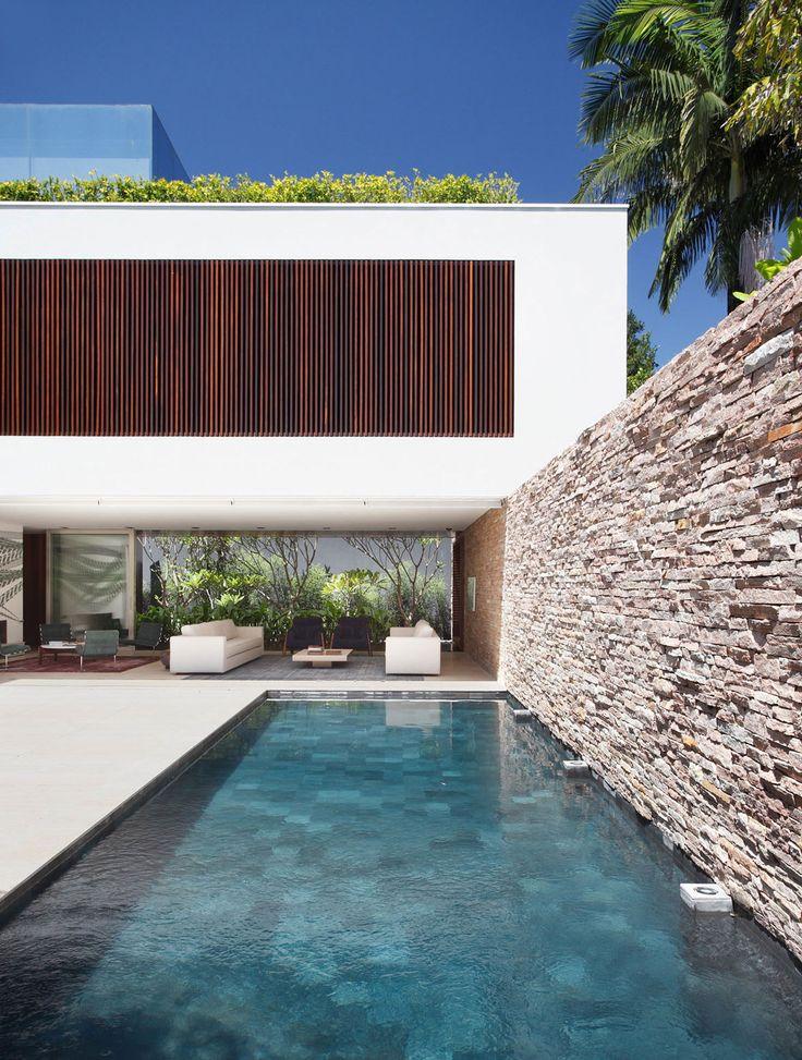 M s de 25 ideas fant sticas sobre jardines de pared de for Casas de madera con piscina