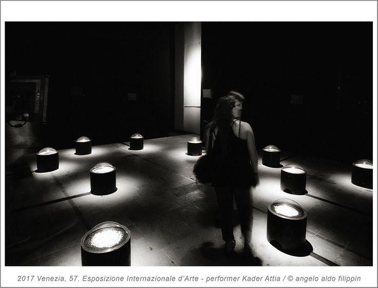 2017 Venezia, 57. Esposizione Internazionale d'Arte, performer Kader Attia