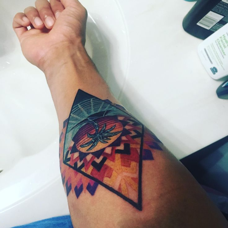 Just got my outrun themed tattoo at steel and ink tattoo