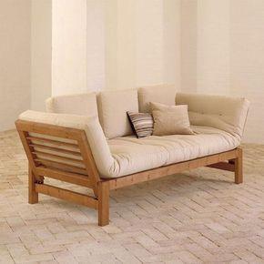 El Jazz es un cómodo sofá de diseño limpio, acogedor, confortable y de estructura sólida. Perfecto para combinar en cualquier tipo de ambiente, está fabricado con madera de pino macizo escandinavo de tala certificada FSC.Los laterales son abatibles permitiendo transformar el sofá en pocos pasos en una cómoda cama individual. Incluye un futón de 12 cm de anchura como parte acolchada y cojines para el respaldo.El sofá está disponible en 2 o 3 plazas, con madera barnizada en marrón o wengué y…