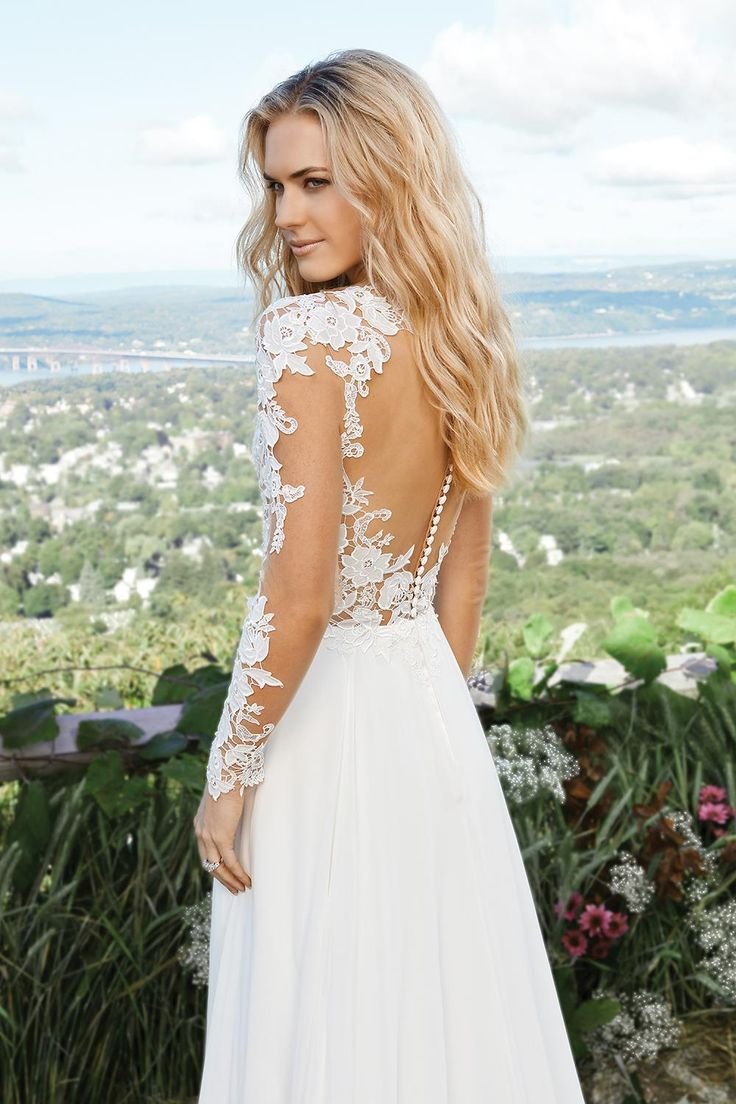 Brides looking for a wedding dress with sleeves - this is perfect for you!