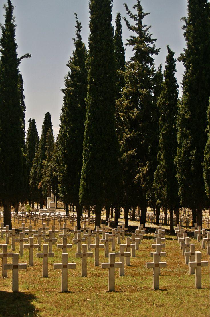 The Italian Sector of Zeitenlik Allied Forces Necropolis. (Walking Thessaloniki - Route 19, Terpsithea)