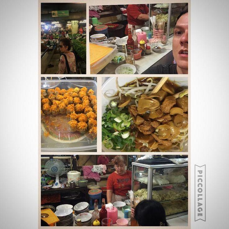 Cari sarapan ama nyokap ke pasar atum di pasarbaru... Udah dari kelas TK di Gandhi ampe sekarang nyokap masi suka ajak kesini... Mureeeeh dan enaaaaak bangeets... #market #marketfood #pasarbaru #mom #breakfast by bertrand1407