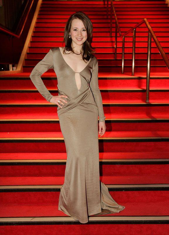 Karine Vanasse Nip Slip | Karine Vanasse Celebrity Picture Gallery