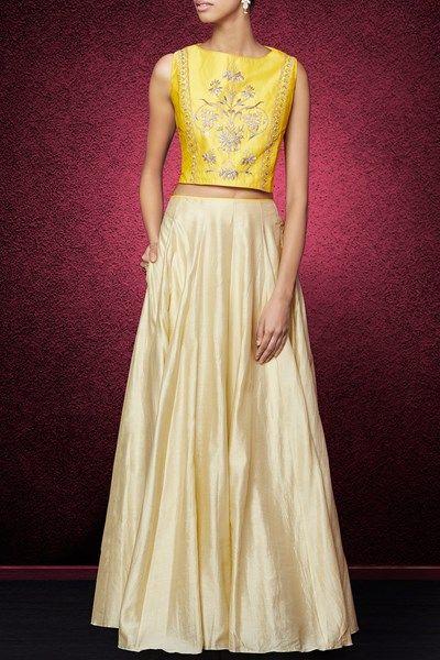 Yellow gota patti embroidered skirt set.  #carma #carmaindia #carmadesigners #designer #anitadongre #exclusive #backinstock #newstyles #luxury #musthaves #designerhouse #instadaily #dubai #fashiondaily #indianfashion #ethnic #luxury #shopnow #onlineshopping #diwali #festive #festivefashion #london #diwaliparty #seeitbuyitloveit #yellow #gold #gottapatti #silk #designercroptopskirt #croptopskirtset #designerclothesonline #anitadongreonline
