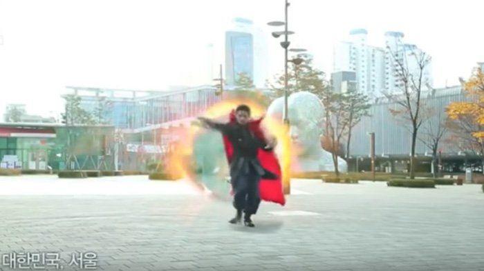 Video Plesetan Doctor Strange Ala Korea, Ternyata Superhero Marvel Ini Kocak Juga!