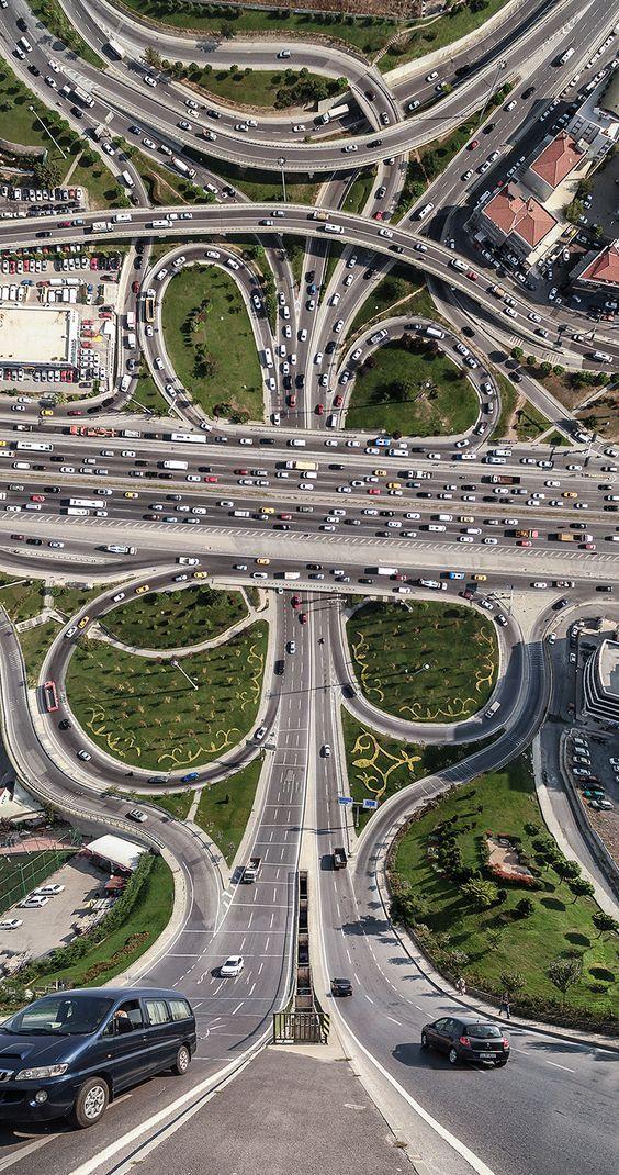 Fotógrafo turco junta imagens aérea e plana e inova na fotografia – Design Conceitual: