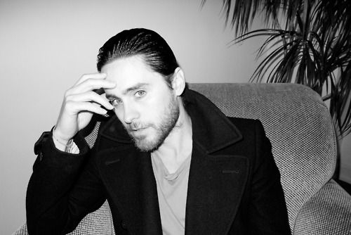 Jared Leto.- Balcony.- Photo by Terry Richardson. April, 2012.