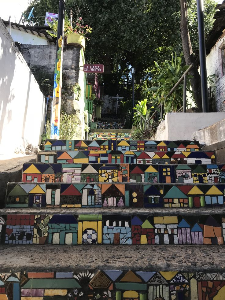 Decorated stairs in Loma San Jeronimo - Location ...