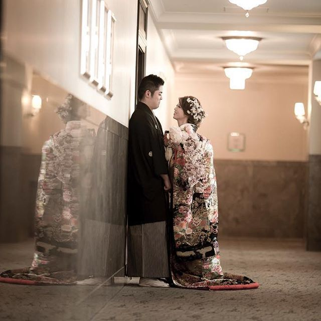 【munyahamu】さんのInstagramをピンしています。 《* * とっても気に入っている和装のカット👘💕 * * #マンダリンオリエンタル東京 #MObrides #MOwedding #マンダリンオリエンタル #mandarinorientaltokyo #リンデンルーム  #antswedding #アンツウェディング #motyo #マンダリン花嫁 #卒花 #披露宴 #中座 #結婚式 #お色直し #和装 #色打掛 #和婚 #桜 #kimono #春婚 #和装ヘア #和装ヘアメイク #洋髪 #和装ブーケ #桜ブーケ》