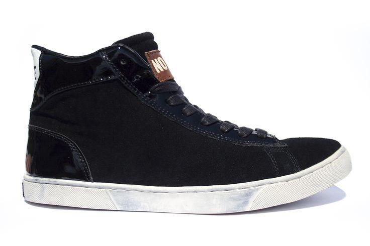 NO V1506 Black