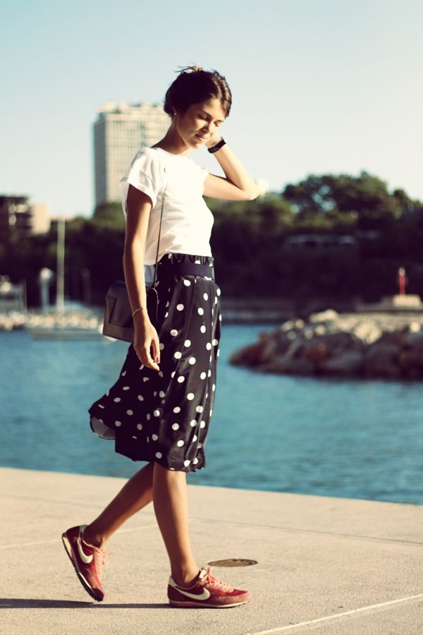 Black white trend + girly skirt with Nike tennis shoes. (hard/soft look)