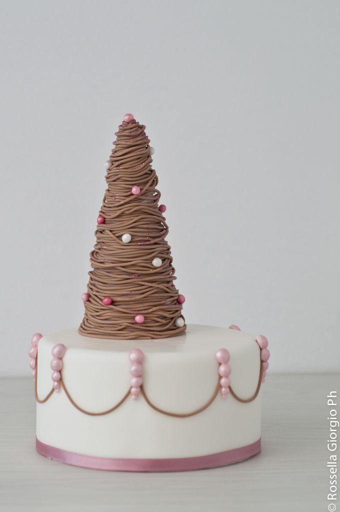 shabby 'Xmas tree cake
