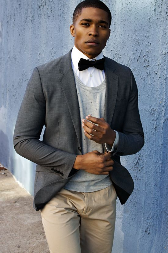 ✔ Bowtie + round v neck sweater