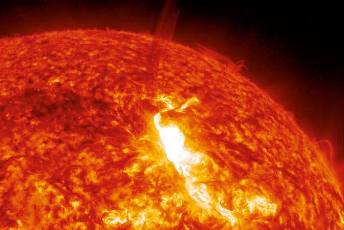 Quelles sont les diverses influencent du Soleil et de la sur notre planète Terre ? - National Geographic France