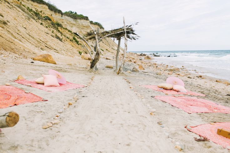 Photography: Rebecca Arthurs - http://www.stylemepretty.com/portfolio/rebecca-arthurs   Read More on SMP: http://www.stylemepretty.com/2015/04/27/block-island-beach-house-summer-wedding/