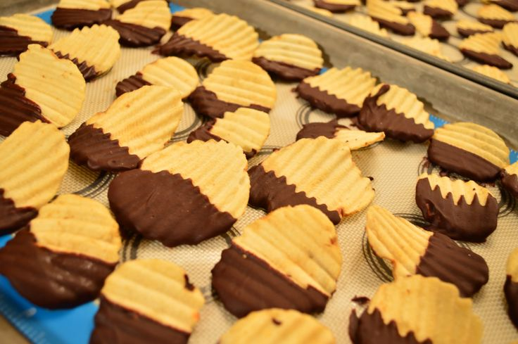 #March 23rd is #NationalChipsAndDipDay! Try this ultimate #snack - #Chocolate #Whisky Dipped #PotatoChips!  * Subscribe to Cooking With Kimberly: http://cookingwithkimberly.com @CookingWithKimE #cwk