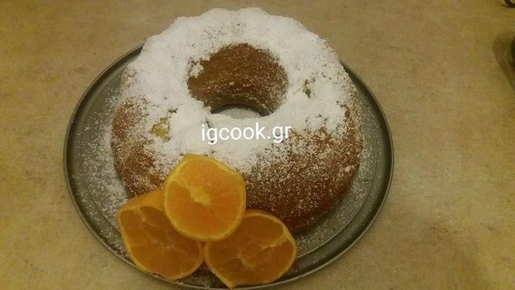 Το έφτιαξα πάλι και μοσχομύρισε ολο το σπίτι !!! Από τα ωραιότερα κέικ και πιο εύκολα !!! Τι χρειαζόμαστε: 1 φλ λάδι 4 αυγά 1 φλ ζάχαρη 2 φλ αλέυρι για όλες τις χρήσεις 1 πορτοκάλι ζουμερό ολόκληρο με την φλούδα 3 κ.γ μπέικιν πάουντερ Πώς το κάνουμε: Βάζουμε στο μούλτι το ολόκληρο πορτοκάλι (χωρίς …