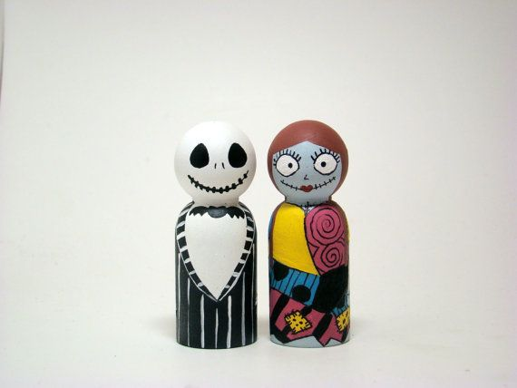 Ahh!!! Love these Nightmare Before Christmas peg dolls.