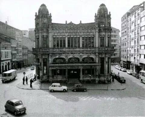 Edificio Castromil. Destruido en los 70. Plaza de Galicia de Santiago. Ollar Galicia. Fotografía antiga