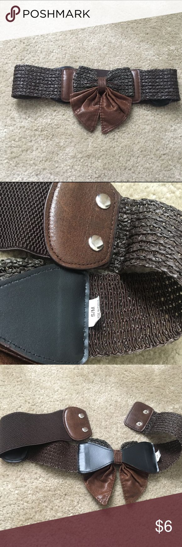 Size s/m Brown Bow belt Size s/m Brown Bow belt. Has some stretch to it and a snap closure. Accessories Belts