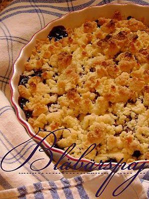 Smulpaj med blåbär och vit choklad