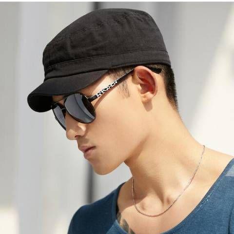 Short brim black baseball cap for men outdoor wear
