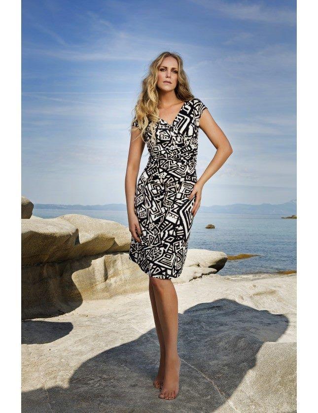 Αποκτήστε το απόλυτο καλοκαιρινό look! Μπείτε στο ολοκαίνουριο ηλεκτρονικό μας κατάστημα και κάντε δικό σας το αγαπημένο σας καλοκαιρινό φόρεμα #Vamp! https://shop.vamp.gr/forema-thalasshs-viscose-6205.html