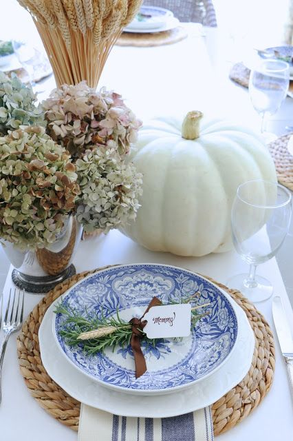 Simply Fall Tour 2016 with Eleven Gables // blue and white // table