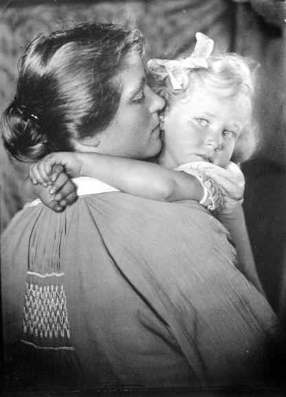 Alice Boughton and child, Summerville, Cape Cod    1915