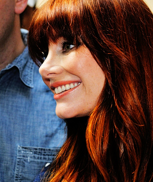 bryce dallas howard I wish I could rock that shade on red