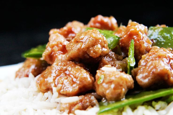 Skinny General Tso's Chicken aka MY FAVORITE CHINESE CHICKEN EVER! | http://www.carlsbadcravings.com/skinny-general-tsos-chicken-aka-my-favorite-chinese-chicken-ever/