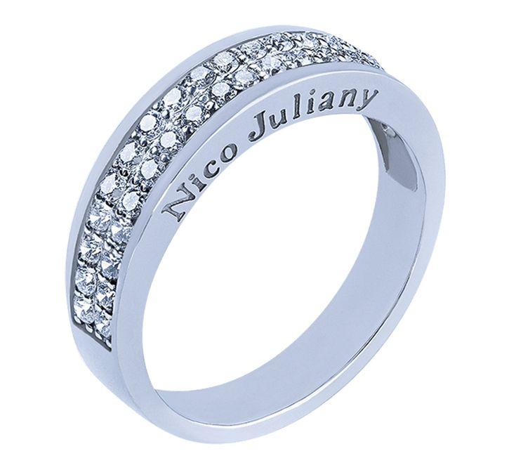 NICO JULIANY ОБРУЧАЛЬНЫЕ КОЛЬЦА    Красивое обручальное кольцо с двойной бриллиантовой дорожкой — положительный знак благополучной семейной жизни. Стильная модель соответствует современным трендам свадебной моды: белое золото, бриллианты, европейская форма. Посмотрите другие модели обручальных колец.