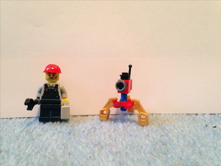 Lego TF2 engineer and sentry customs