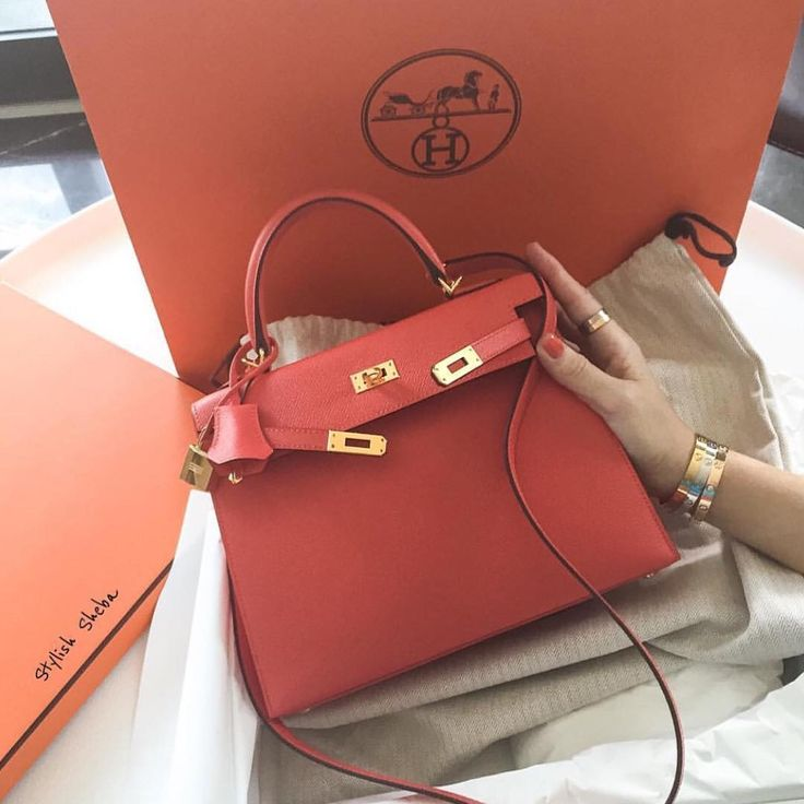 Rose Jaipur HERMÈS Kelly Bag & Cartier Bracelets