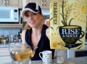 Web Chef Review: Clipper Rise & Shine Tea, by blogger Kimberly Edwards.
