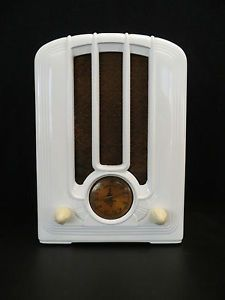 1939 EMERSON ART DECO OLD BAKELITE RADIO
