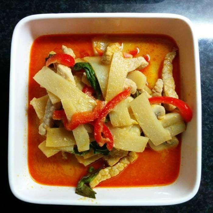 Röd curry med fläsk, svensk medium stark